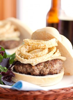 Cheeseburgers with Baked Onion Rings Recipe