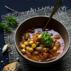 Cinnamon-scented Chickpea Soup