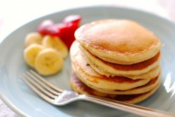 Fluffy Greek Yogurt Pancakes Recipe