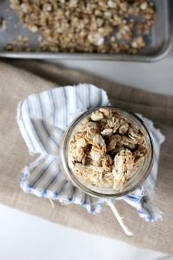 Granola w. Honey and Maple Syrup