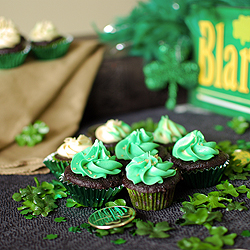 Irish Triple Threat Shot Cakes