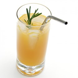Muddled tangerine-rosemary fizz