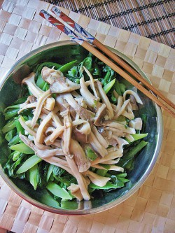 Mushrooms w/ Chinese Broccoli