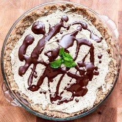 Raw Minty Cream Pie