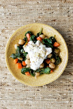 Sauteed Chickpeas with Greek Yogurt and Spinach Recipe