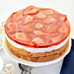 Strawberry Caramel Cake
