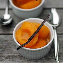 Vanilla-Poached Apricots