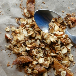 Amaranth Flaxseed Fig Granola Recipe