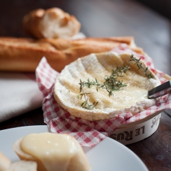 Baked Camembert Fondue with Thyme and Honey
