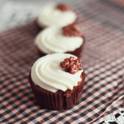 Carrot Cupcakes with Caramelized Walnuts Recipe