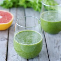 Chicory and Grapefruit Green Smoothie Recipe