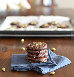 Dark Chocolate Pistachio Crackle Cookies Recipe