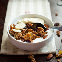 Granola with Yogurt and Bananas Recipe