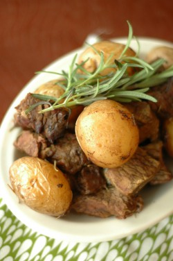 Honey Rosemary Steak and Potatoes Crockpot Recipe