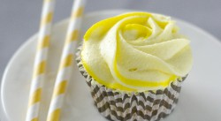Lemon Cupcake with Lemon Frosting