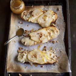 Pear Tartines with Blue Cheese Honey and Walnuts Recipe