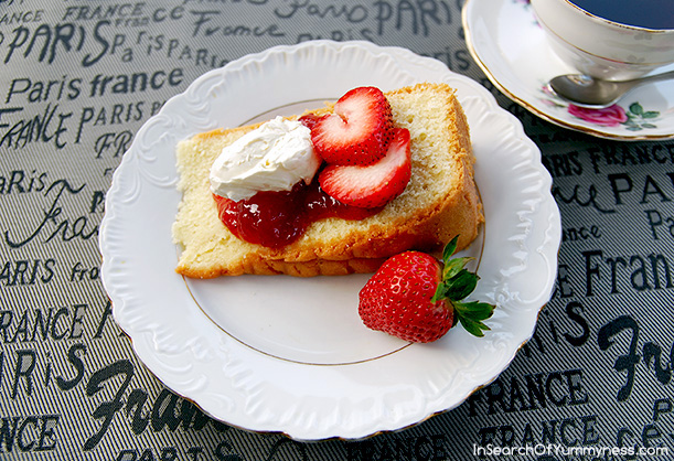 Pound Cake with Cream and Strawberries Recipe