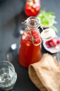 Raspberry and Lemon Verbena Iced Tea Recipe