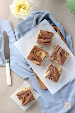 Salted Peanut Butter Pretzel Tagalong Bars Recipe