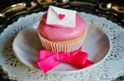 Strawberries and Cream Love Letters Cupcakes Recipe