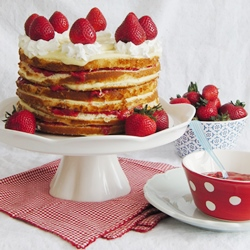 Strawberry Custard Icebox Cake