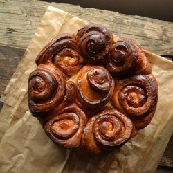 Torta delle Rose Del Garde Brioche bread with Orange Liqueur Recipe