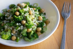 Broccoli Chickpeas Barley Salad Recipe
