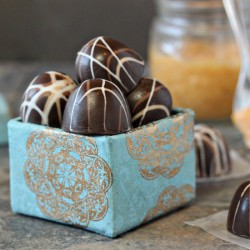 Caramelized White Chocolate Truffle