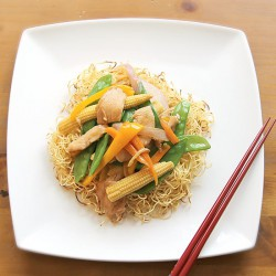 Chicken Stir-fry on Crispy Noodles