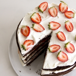 Chocolate Strawberries and Cream Layer Cake Recipe