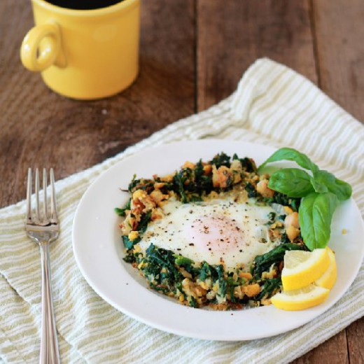 Egg in a Spinach-Chickpea Nest