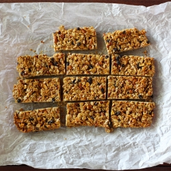 Granola Bars with Coconut, Currants
