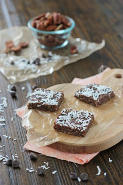 Healthier brownie snack bars