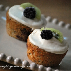 Kiwi Blackberry Breakfast Cupcakes
