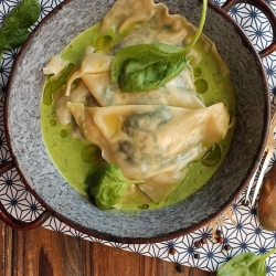 Ricotta Spinach Walnuts Ravioli Recipe