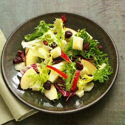 Salad with apple and cheese