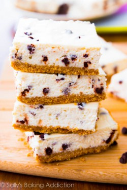 Skinny Chocolate Chip Cheesecake Bars Recipe