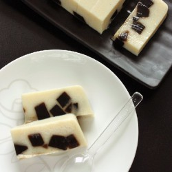 Soy Milk and Grass Jelly Pudding