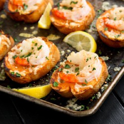 Sriracha Garlic Toasts with Shrimp