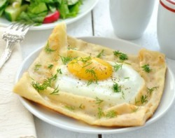 Brunch Eggs with Mushrooms on Crepes Recipe