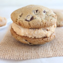 Cheesecake Cookie Sandwiches