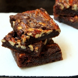 Chewy, Chocolaty Pecan Pie Bars