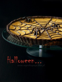 Chocolate Pumpkin Spiderweb Tart