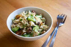 Cucumber-rice salad