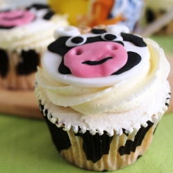 Cupcake Cows with Condensed Milk