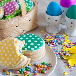 Easter Egg Cascarónes Cookies