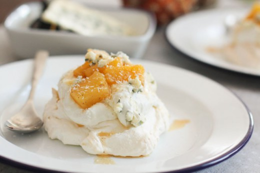 Exotic pavlova with Roquefort