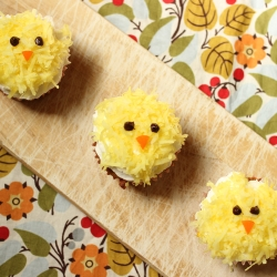 Maple Carrot Chick Cupcakes