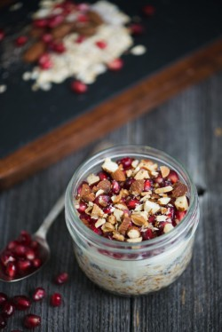 Pomegranate Almond Overnight Oatmeal Recipe