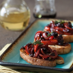 Red Pepper and Fig Balsamic Vinegar Crostini Recipe